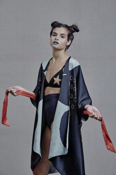 Artsy Kimonos contemporary art - Arena Martínez - Three Stones - 1
