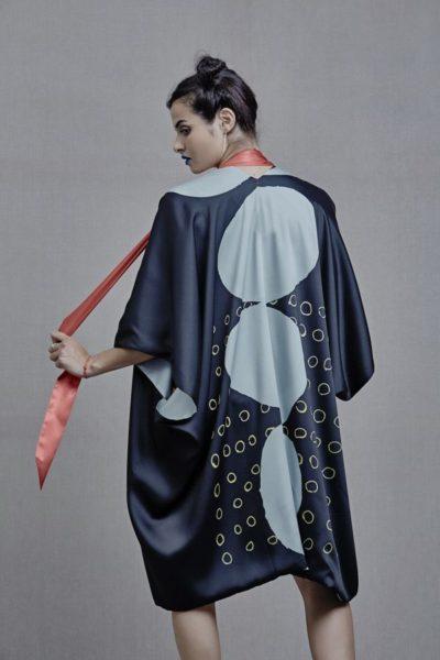 Artsy Kimonos contemporary art - Arena Martínez - Three Stones - 2