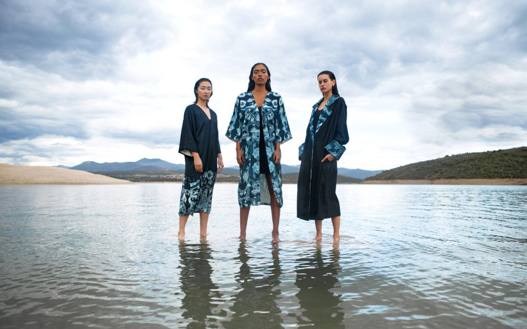 Mnémosyne Tres mujeres con kimono