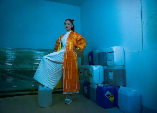 Sotomayor Chica con kimono naranja