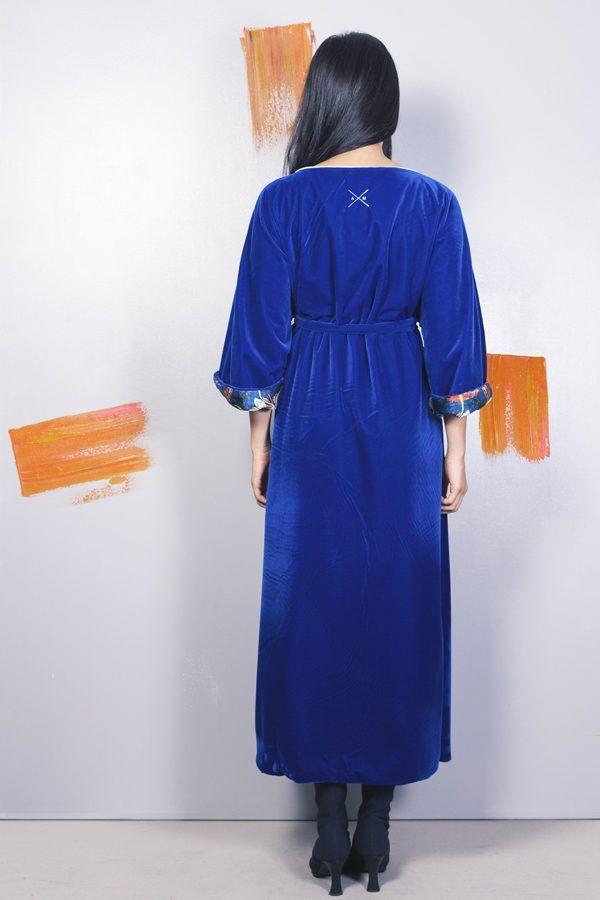 Artsy kimonos decorated with contemporary art-Arena Martinez-Serendipity Blue Habana-5