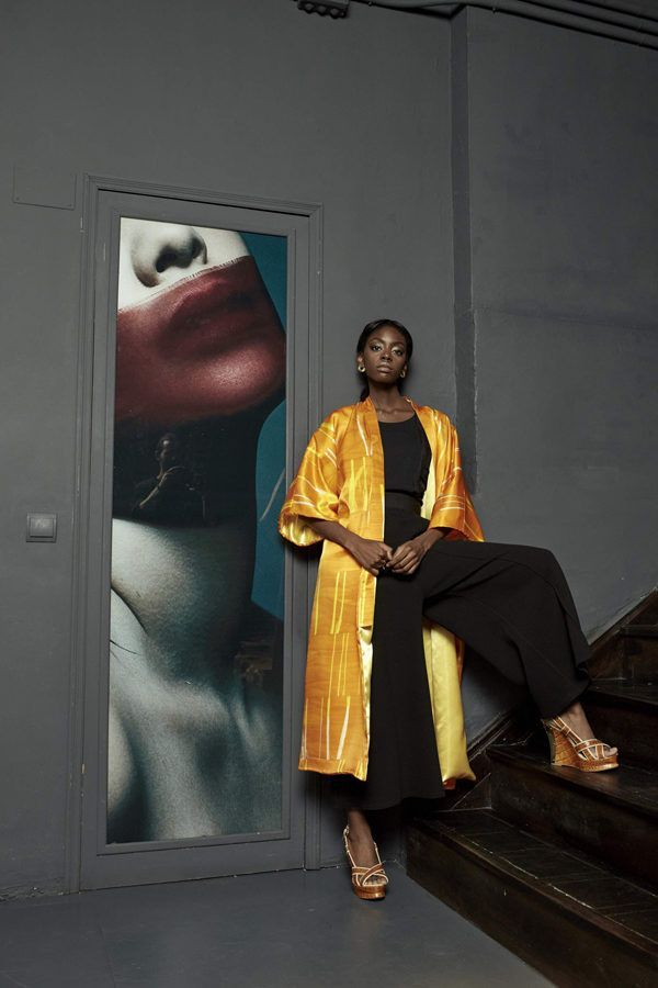 Artsy Kimono contemporary art - Arena Martínez - meet me sunset long - 2