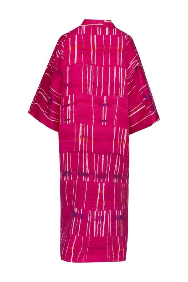 Kimono decorated with contemporary art - Arena Martínez - kimono pink crush long -1