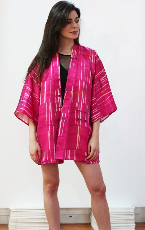 Kimono decorated with contemporary art - Arena Martínez - kimono pink crush short -1