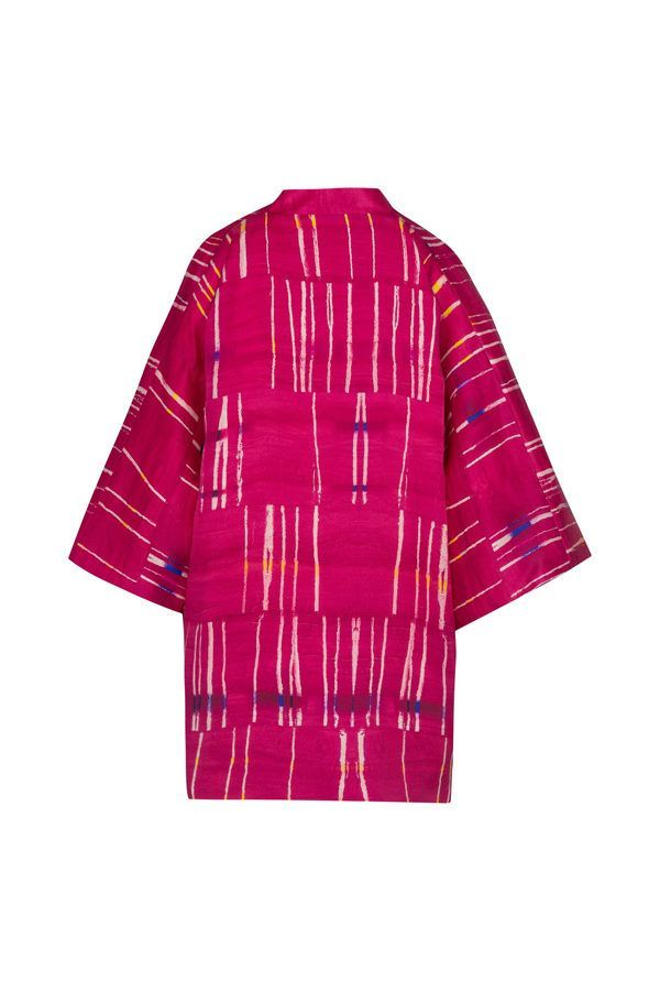Kimono decorated with contemporary art - Arena Martínez - kimono pink crush short -3