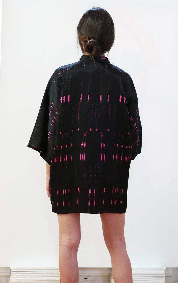 Kimono decorated with contemporary art - Arena Martínez - kimono queen in the night short -4