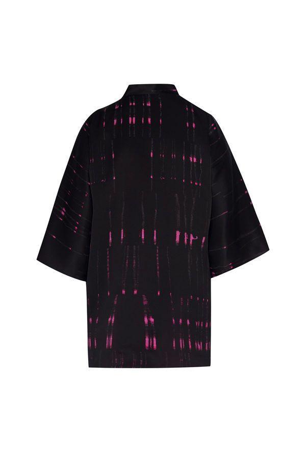 Kimono decorated with contemporary art - Arena Martínez - kimono queen in the night short -2
