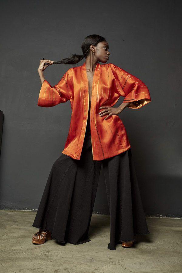 Kimono decorated with contemporary art - Arena Martínez - kimono Rojo Tango -2
