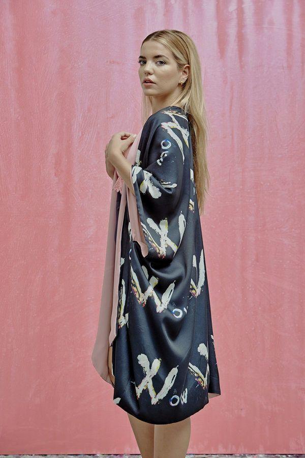 Kimonos exclusivos de marca - Arena Martínez Boutique online - Wow kimono