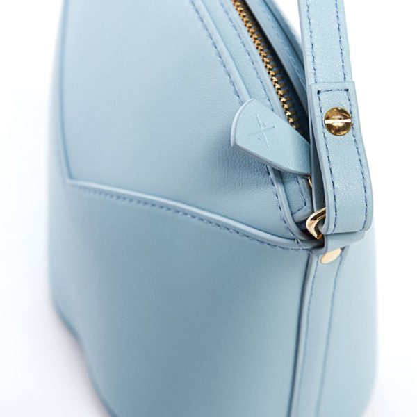 Exclusive leather bags decorated with art - Arena Martínez - Baby blue Susi Bag-3