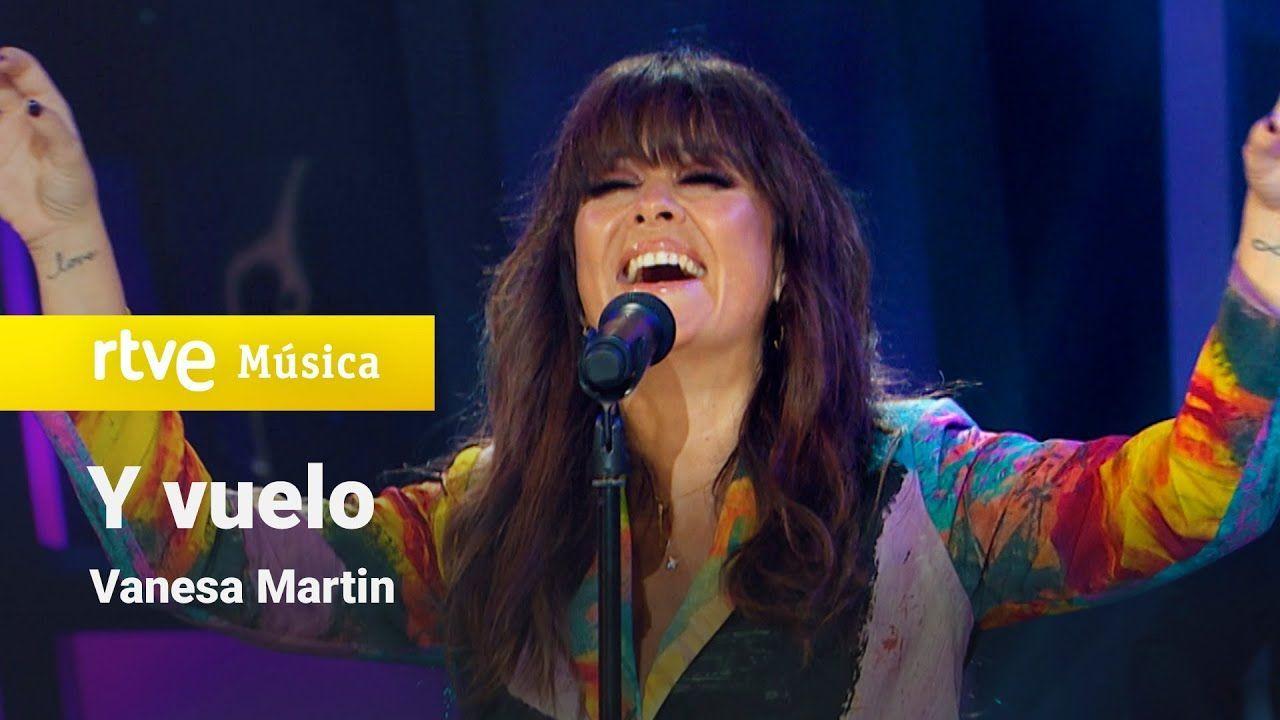 Exclusive blazers - Arena Martínez - Vanesa Martín con nuestra americana Lum en la gala de Televisión de Navidad-2